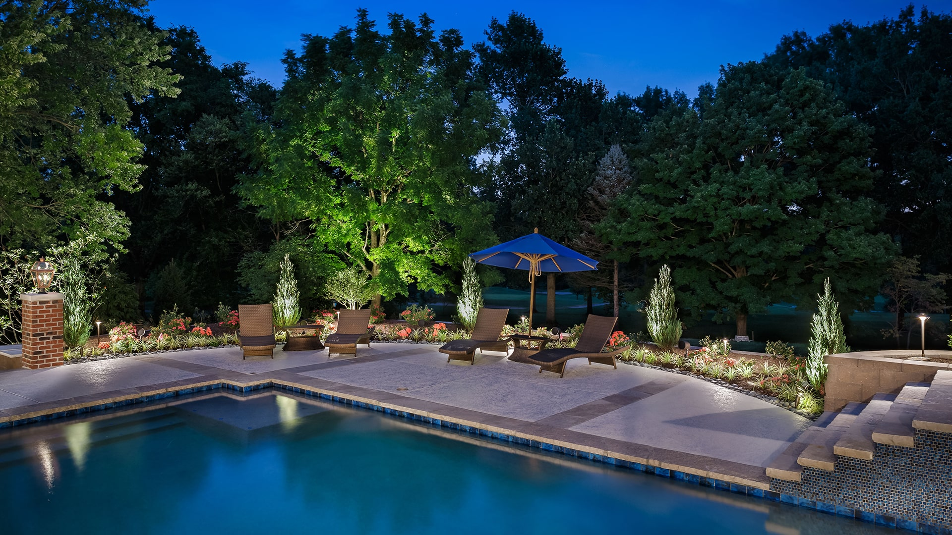 outdoor living space with lighting